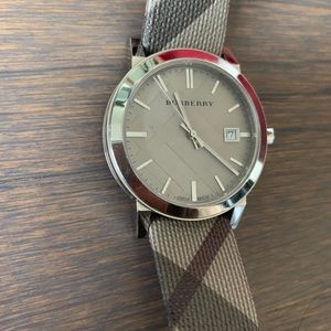 Unisex Burberry Plaid Leather Watch